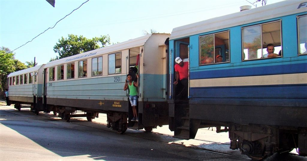 Train Cuba